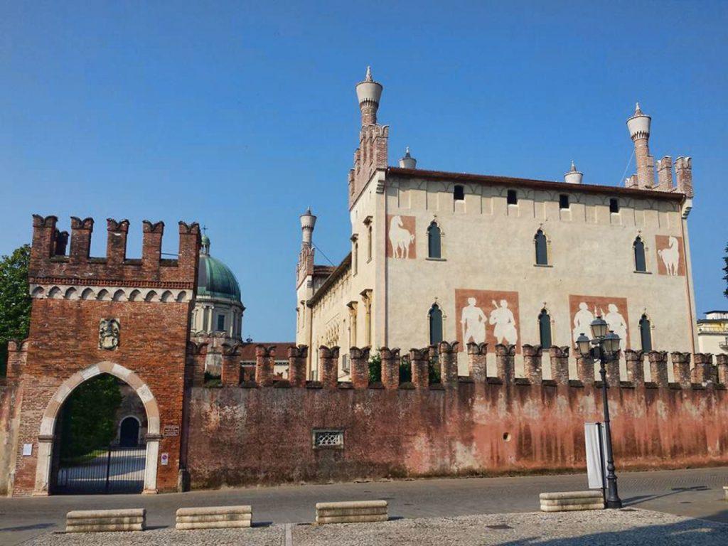 Wetourguide_Castello di Thiene_esterni